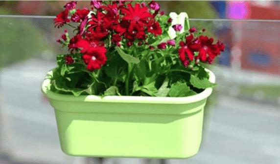 Jardinera de balcón verde Huertos Alma